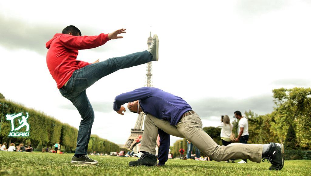 Capoeira-Paris-Attaque-Defense-Mouvements-Basiques
