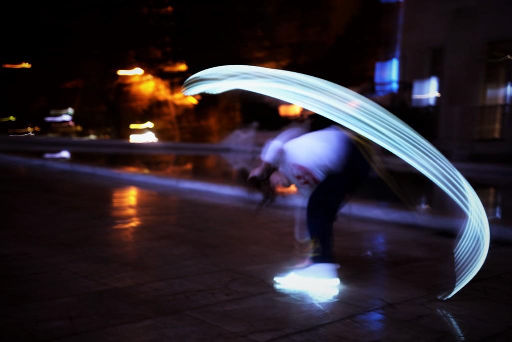 light-painting-capoeira-dance-paris